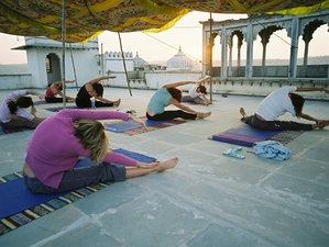 3 Days Relaxing Weekend Yoga Retreat in UK