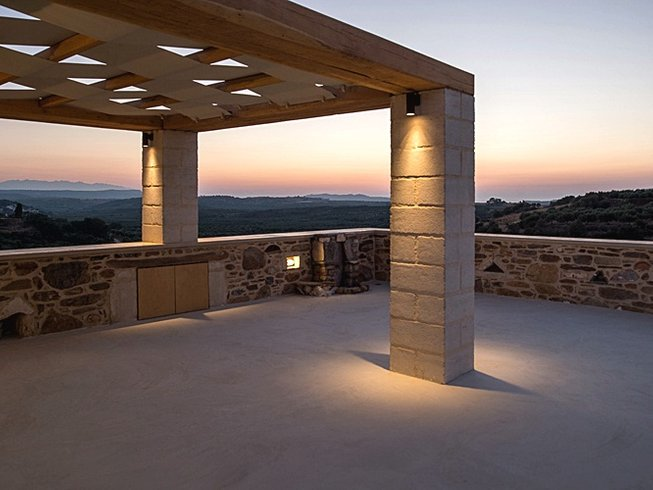 5 Days Relaxing and Rejuvenating Meditation and Yoga Retreat in Crete, Greece