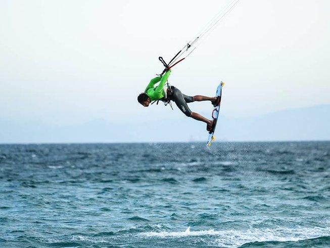 5 Days Beginner Kitesurfing Surf Camp in Tarifa, Andalusia, Spain