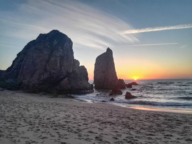 8 Days Breathtaking SUP and Yoga Retreat in Cascais, Portugal