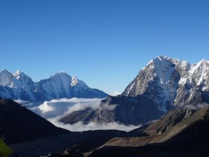 10 Day Everest Monastery Yoga Trek in Nepal