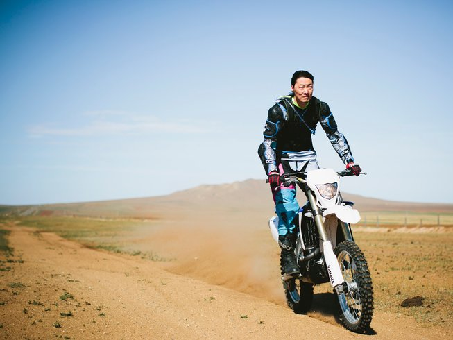 7 Days Dirt Bike Khongoriin Sand Dunes Motorcycle Tour in Mongolia