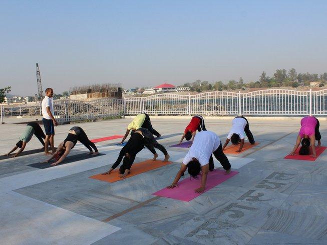 26-Daagse 200-urige Yoga Docentenopleiding in Rishikesh, India
