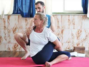 11 Days 100 Hour Multi Style Yoga Teacher Training in Rishikesh, India
