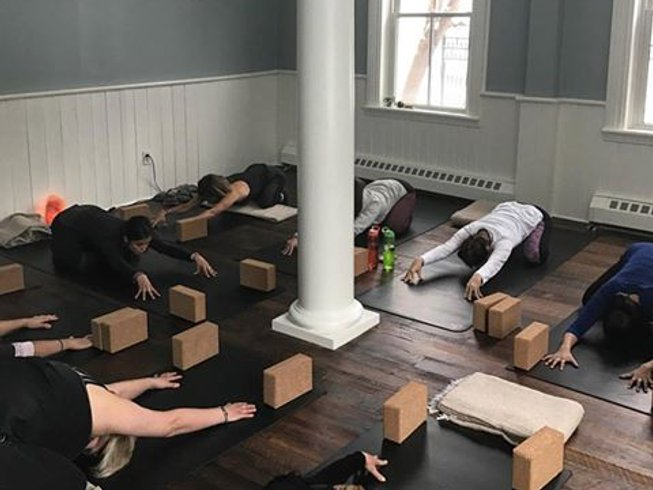 3 días retiro de yoga y campamento para adultos en Caledon, Canadá