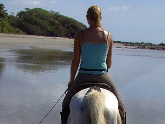 8 Days Costa Rica Surf Camp for Women