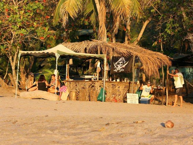 6 días de surf y retiro de yoga Rocket en Tamarindo, Costa Rica