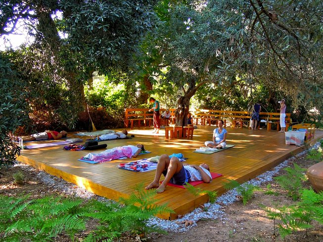 15 Tage Hatha Yoga und Wandern in Kalamos, Griechenland