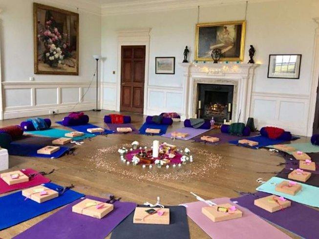 3 jours en retraite de yoga à l'automne avec Charlie Morgan à Buckinghamshire, Grande-Bretagne