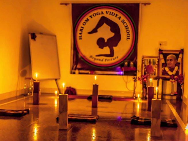 27 Days 200 Hour Ancient YTT in Rishikesh