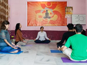 28 Days 200-Hour Ayur Yoga Teacher Training in India