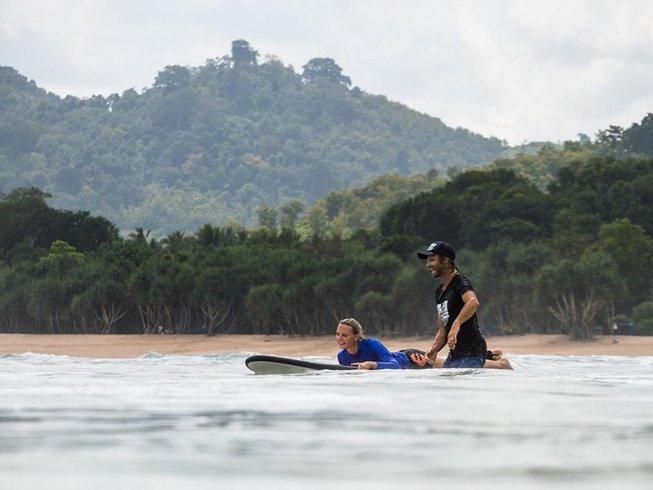 "6-Daags ""Surf & Stay"" Yoga en Surfkamp in Canggu, Bali"