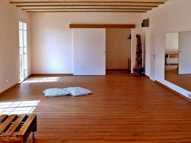 5 Days Acupuncture, Bodywork, and Yoga Retreat in Mallorca, Spain