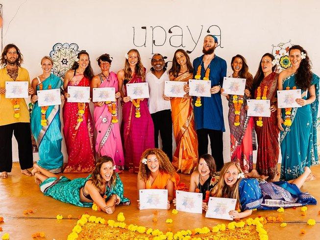 24 Tage 200-Stunden Yogalehrer Ausbildung in Goa, Indien
