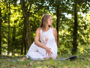 3 días de retiro de Hatha yoga y meditación en Saint-Just-d'Avray, Beaujolais