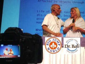 22 días de profesorado de Hatha yoga de 200 horas con Dr. Bali en Fuerteventura, España