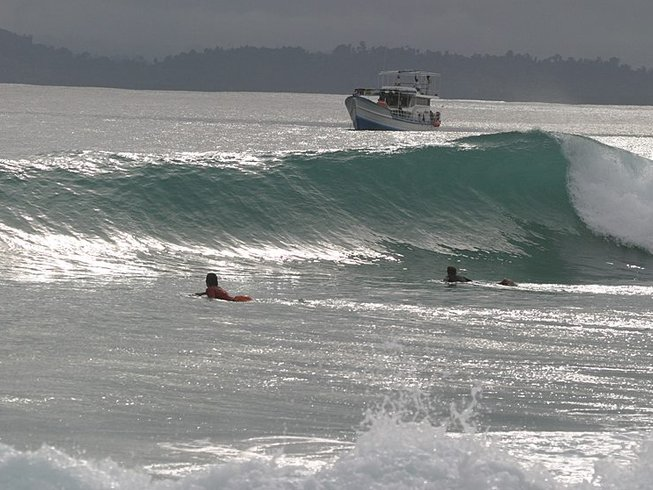 10 Days Exhilarating Mentawai Surf Camp