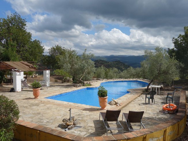 3 Days Nature Hiking and Yoga Retreat in Andalusia, Spain