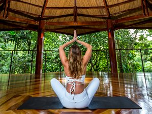 5 Days Luxury Holiday for Couples with Yoga in Alajuela