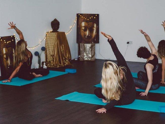 3 jours en stage de yoga, méditation et bien-être à Thrupp, Grande-Bretagne
