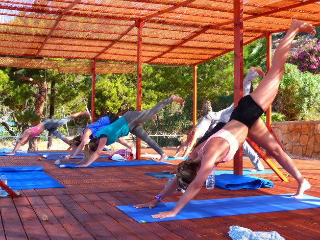 8 jours en stage de yoga kundalini et méditation bienheureuse à Karpathos, Grèce