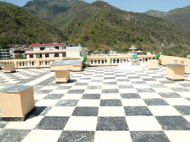 14 jours - 100h en formation de professeur de yoga ancienne tradition à Rishikesh, Inde