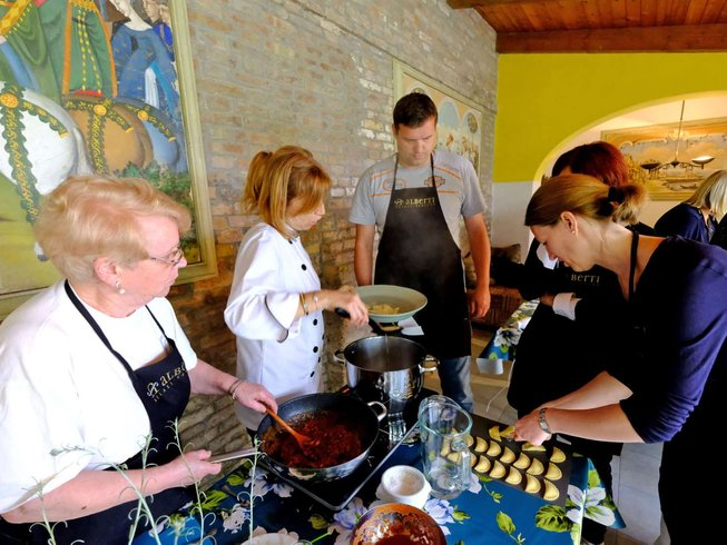6 Days Food, Culture, and Cooking Holiday in Malamocco, Italy