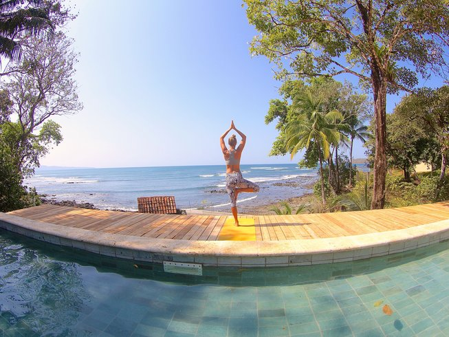 8 Days Surf and Yoga Retreat in Santa Catalina, Panama