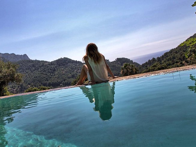 3 Days Massage, Paddle, and Beach Yoga Retreat in Spain