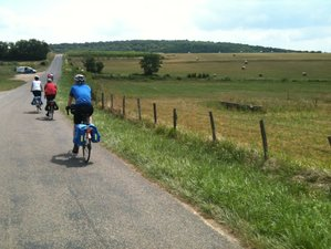 6 Days Southern Burgundy Bike Trip in Bourgogne-Franche-Comté, France