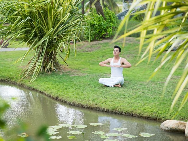 16 Days Psych-Informed Yoga Teacher Training in Florida