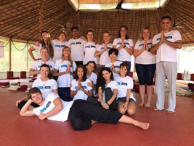 26 Days 200-Stunden Luxus Yogalehrer Ausbildung in Goa, Indien