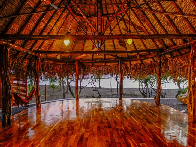 9 Days Surf and Yoga Retreat in Panama