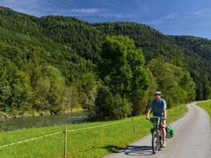 8 Days River Mur Cycle Path Bike Tour in Austria