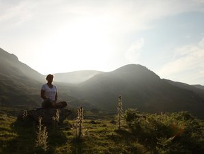 5 Days Earth Care and Eco-Mountain Yoga Retreat in Snowdonia, UK