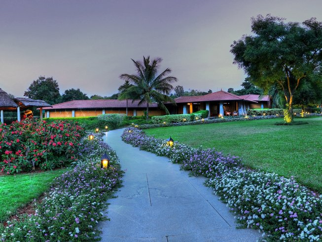 15 Tage Soukya Yoga Retreat in Bangalore, Indien