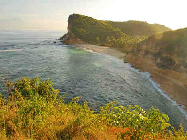 8 Days Breathtaking Surf Camp in Pererenan, Mengwi, Indonesia