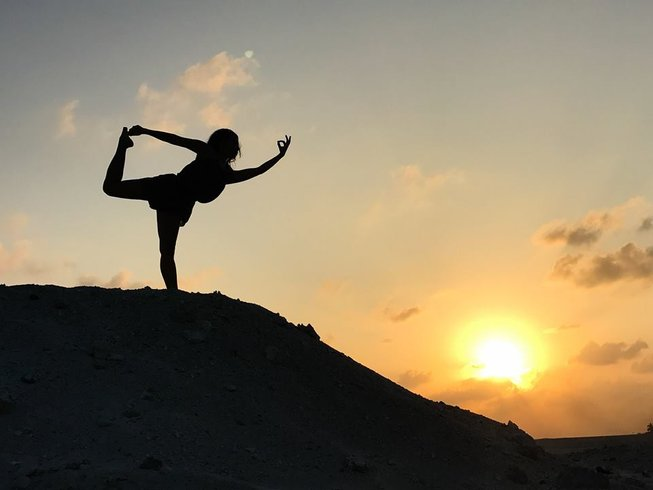 7-Daagse Adembenemende Surf en Yoga Retraite op Himmafushi Island, Malediven