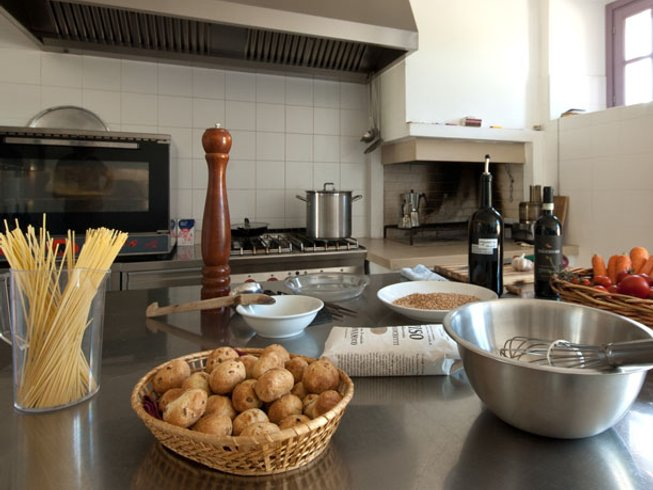 7 Days Cooking and Wine Holidays in Umbria, Italy