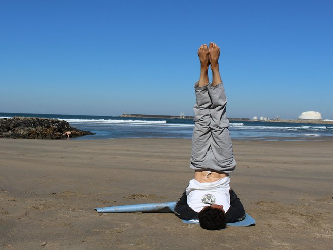 8 Days Budget Surf and Yoga Retreat in Portugal