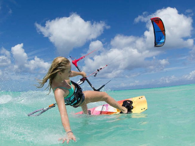 8 Days Beginner Kitesurfing Surf Camp Australia