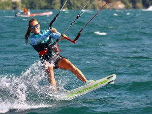 5 Day Group Kite Surf Camp: Lessons in the Perfect Conditions in Lake Garda, Brescia