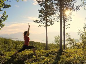 6 Days Relaxation, Northern Lights, and Yoga Retreat in Troms, Norway