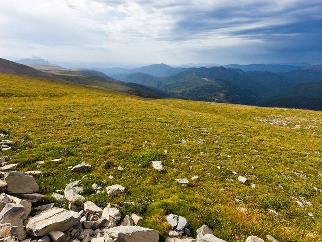 5 Days Meditative Hiking and Yoga Retreat in Spain