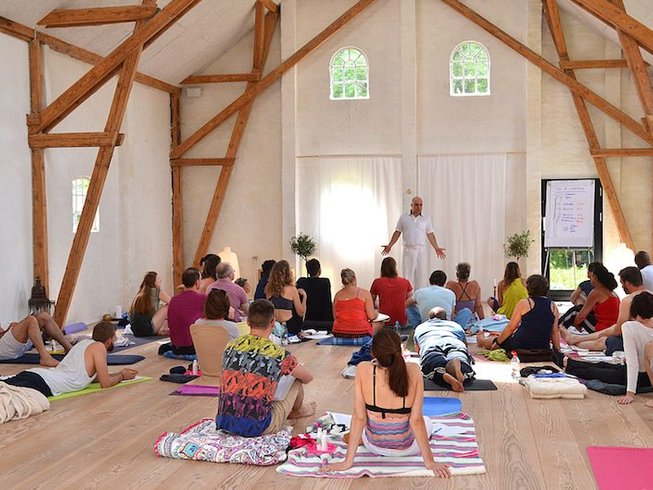 5 Days The Spiritual Art of Touch: Tantra Massage, Meditation and Yoga Retreat in Germany