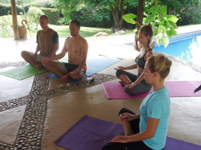 11 días de campamento de surf y yoga en Puerto Escondido, Oaxaca, México