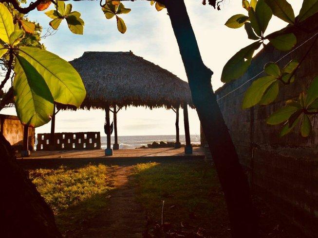 50 Tage 500-Stunden Therapeutische Yogalehrer Ausbldung in Las Peñitas, Nicaragua