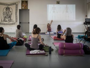 7 Days Relaxing Yoga Retreat in Italy