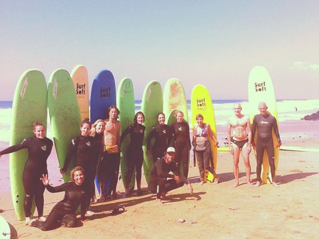 7 Days Hiking, Surfing, and Yoga Retreat in Algarve, Portugal