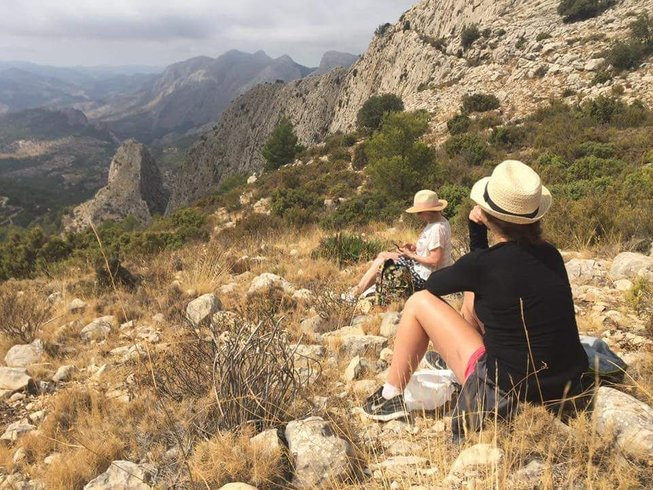 6 Days Yoga and Hiking Retreat in Alicante, Spain
